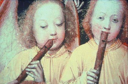 Paire de chérubins jouant tendrement du flûtiau...